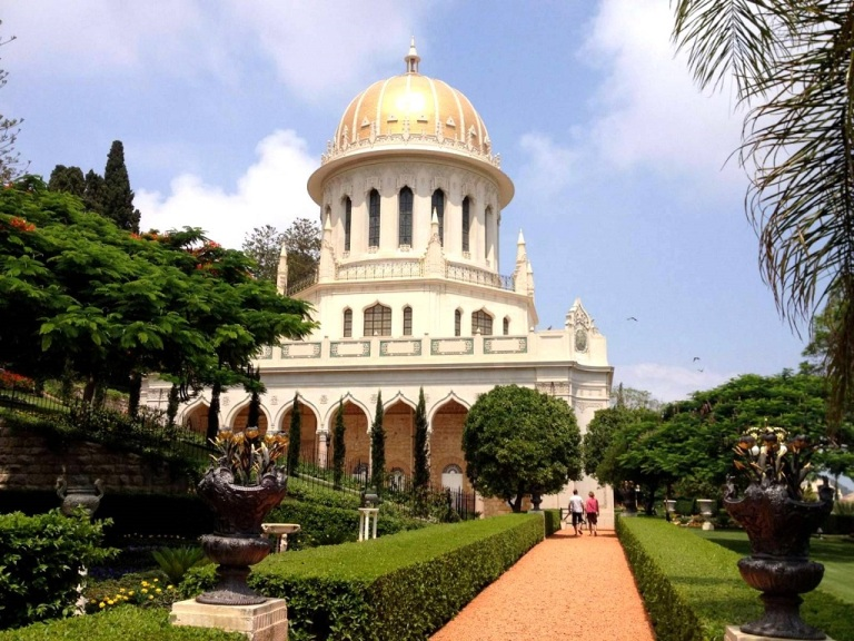 the-temple-in-bahai-gardens
